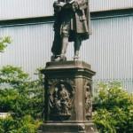 Statua di Leibniz a Lipsia (wikipedia)