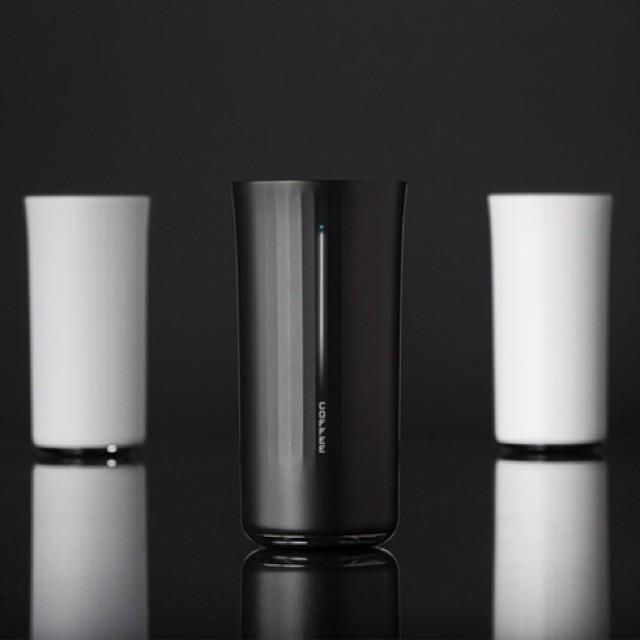 Vessyl è una tazza hi-tech in polimero che riconosce la bevanda e comunica quanto zucchero, caffeina, alcol stiamo assumendo