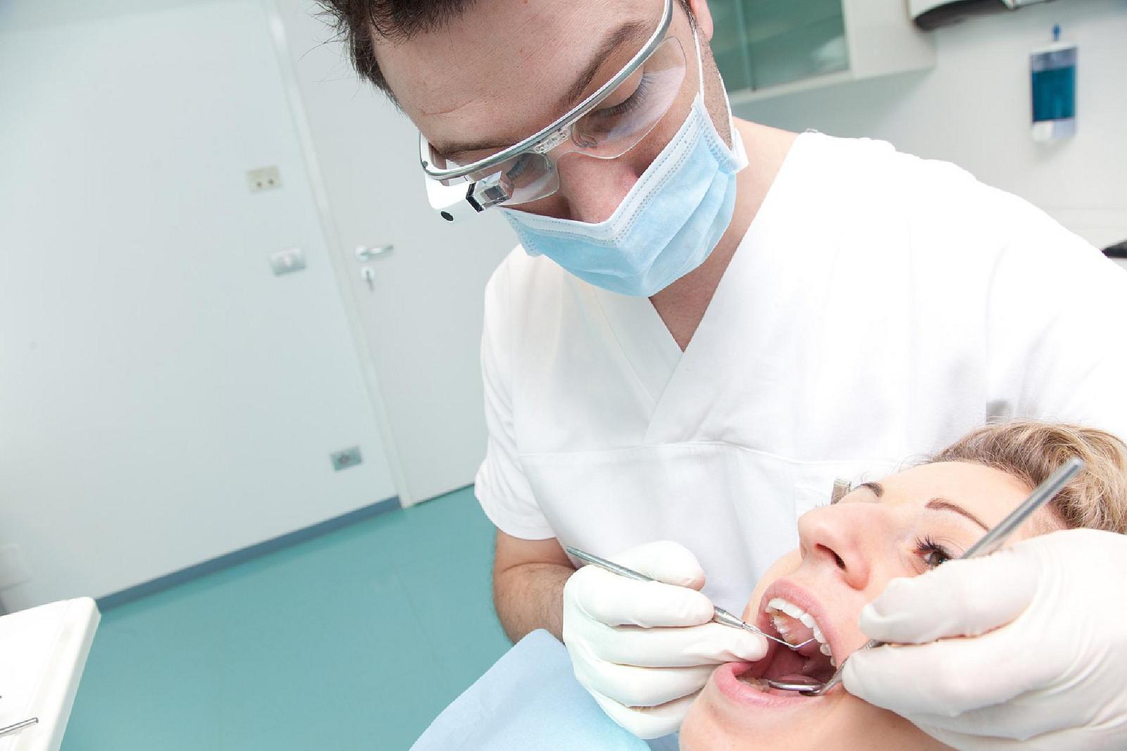 I Google Glass saranno utilizzati dai dentisti grazie al progetto Dental Glass
