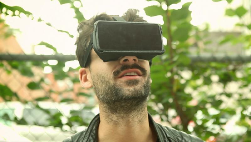 AirVR, il visore per la realtà virtuale per iPad e iPhone costa 49 dollari canadesi se ordinato in anteprima.