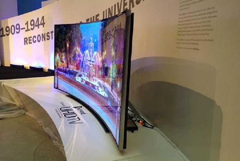 La nuova TV Samsung passa da piatta a curva in pochi istanti