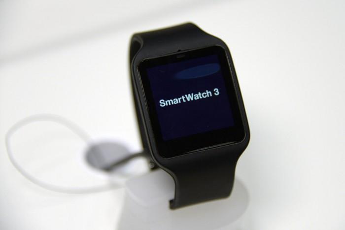 Sony Smartwatch 3 in carica