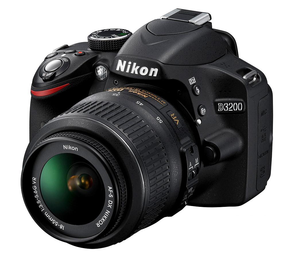 Nikon D3200 corpom macchina + obiettivo