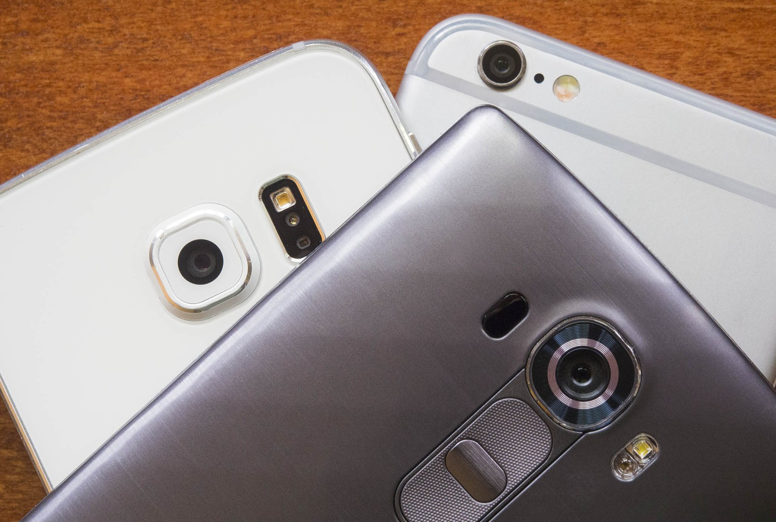 iPhone 6S Vs Galaxy S6 e LG G4 Fotocamere a confronto